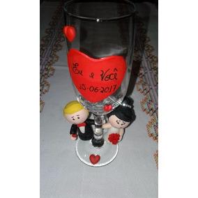 Taça Personalizada Noivinhos Biscuit Casamento Padrinhos