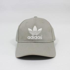 Gorro Adidas Lana Moda Hombre Otros - Gorras para Hombre en Mercado ... 6303e2b0c3a