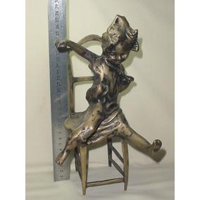 Antig Estatua Figura Cincelada Bronce Nena Traviesa En Silla
