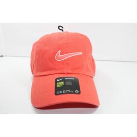 b54e5f3f231ac Gorra Nike Heritage 86 Negra - Accesorios de Moda Naranja en Mercado ...