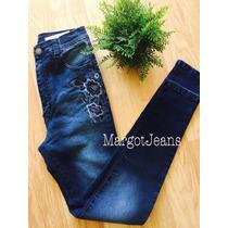 Jeans Tiro Alto Bordado Flores Al Tono Azules Margot Jeans