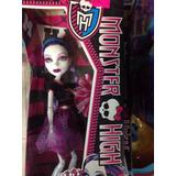 Muñeca Monster High Spectra Vondegeist