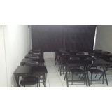 Estrutura De Sala De Aula Com Mesas E Cadeiras.