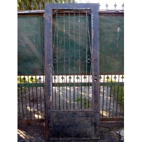 Puerta De Chapa Con Reja Antigua