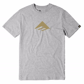 Remera Emerica Triangle Tee 7.1 / Gris Estampa