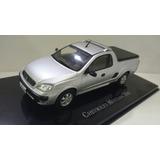 Miniatura Camionete Chevrolet Montana 2003 - 1/43