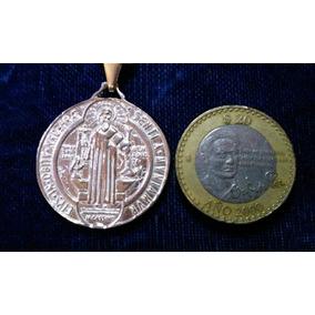 Medalla De San Benito Grande En Plata Fina Solida Ley .925