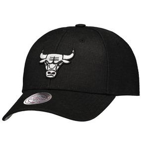 89c4049a972a6 Bone Chicago Bulls Preto Couro - Bonés Mitchell   Ness no Mercado ...