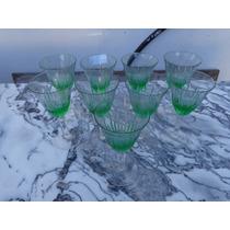 Un Juego De 9 Copas En Cristal Verde Tallado A Mano