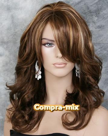 peluca hecha a mano larga castaña con destellos rubios