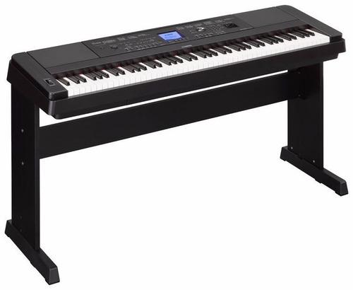 Piano Digital Yamaha Dgx-660 + Mesa En Madera + Pedal - $ 3.400.000 en Mercado Libre