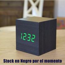 Reloj Led Cubo Despertador Madera Bambu Mide La Temperatura