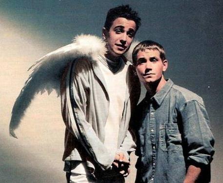 seriado um anjo muito doido dublado