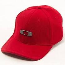 Boné Vermelho Simbolo Oakley