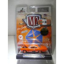 M2 Machines 1969 Plymouth Road Runner 383 Naranja