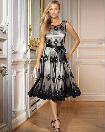 Vestido negro de malla con finos bordados hwo for Boda en jardin de noche como vestir