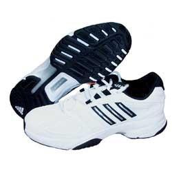 zapatos adidas para jugar voleibol