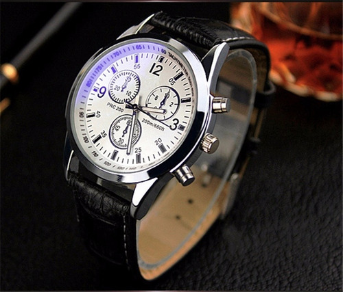 5e4c3303dac Relógio Social Preto E Branco (modelo Moderno) Barato - R  44