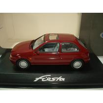Ford Fiesta 1/43 Excelente Replica De Minichamps