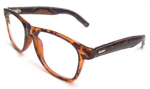 62a6ade531985 Armação Para Óculos De Grau Retro Wayfarer Em Acetato - R  69,00 em Mercado  Livre