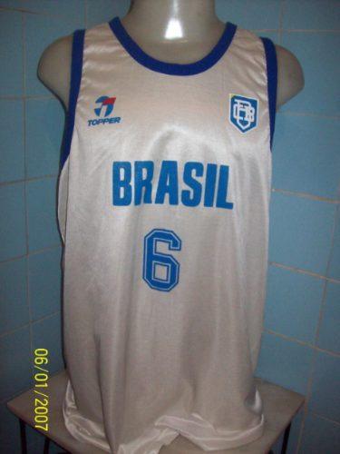 5e51b4c421a52 Camisa De Basquete Do Brasil Anos 80 Topper - R  200