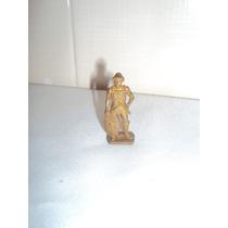 Boneco Hun 4 K 55 N 110 De Metal Dourado Coleção Kinder Ovo