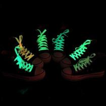 Agujetas Luminosas Brillas En Las Oscuridad