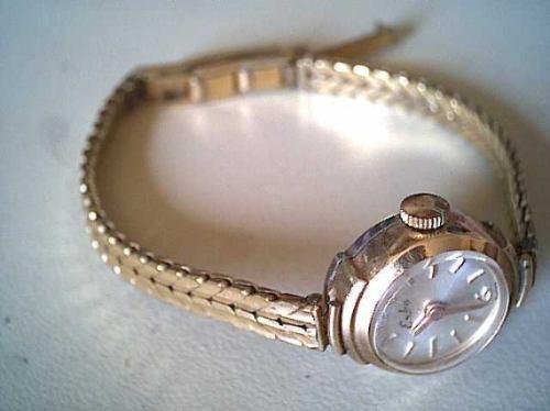 22f703ef599 Relógio Feminino Eska Suiço-antigo - R  1.300