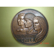 Linda Medalha De Bronze Chilena - Constryamos Chile - 6 Cm