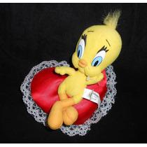 Looney Tunes!! Peluche De Piolín Sobre Un Corazón, 24cm