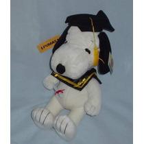 Snoopy Original Graduado Con Su Toga Birrete Y Diploma