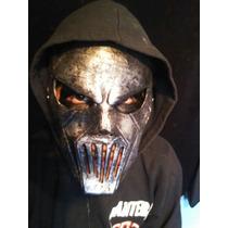 Máscara Mick Thompson Slipknot, Música, Rock