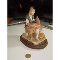 Antigua Figura De Ancianita De Yeso O Jeso Pintado A Mano