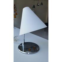 Abajur Moderno Vidro Branco Base Cromada Para Sala Ou Quarto