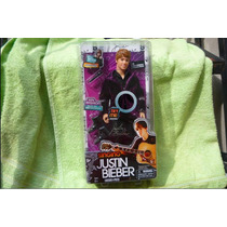 Justin Bieber Canta En Ingles Love Me Singing