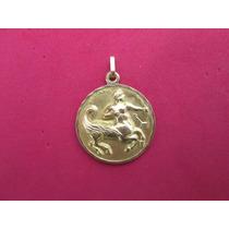 Medalla Signo Zodiacal Sagitario Bimetal Oro De 10 Kilates.