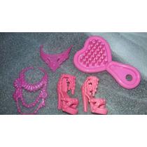 Kit Sandália E Assessórios Da Boneca Barbie