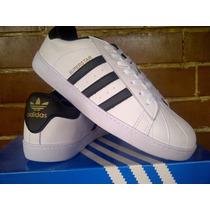 Adidas Superstar.