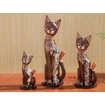 Gatos De Madera Con Cristales De Colores Juego X3. Indonesia
