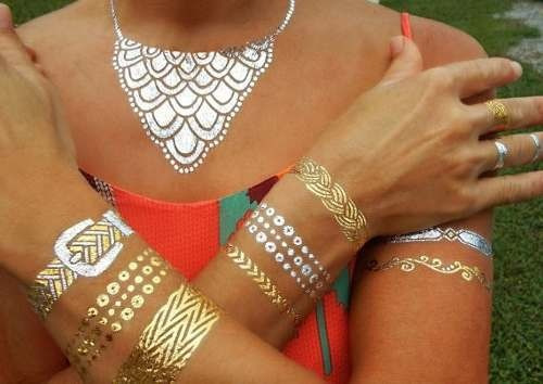 Tatuaje Dorado Temporal Flash Tattoo Oro Plata Metalico Arte