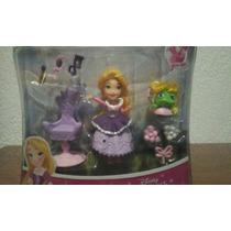 Rapunzel Y Su Salón De Belleza.