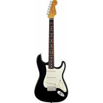 Guitarra Fender Stratocaster Classic Series 60s 013-1000-306