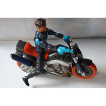 Moto Y Figura Action Man