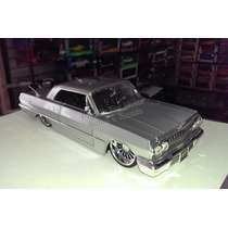 1:24 Chevrolet Impala 1963 Plata Jada Ranfla Display