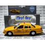 Mc Mad Car Ford Crown Victoria 1999 New York Usa Taxi Auto