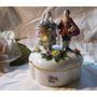 Viejo Viena Alhajero De Porcelana Con Figuras Sellado.