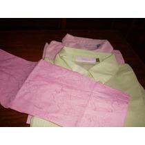 Blusa De Algodón Con Bordado En Mismo Color.