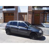 Renault Clío. Motor 1.6. Año 2002. 5 Puertas.