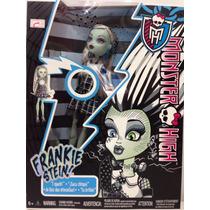Boneca Monster High Frankie Stein - C/ Defeito Sem Luz/som