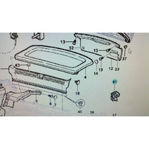 Suporte Do Tampão Lado Esquerdo Astra Hatch 1999 A 2012 Leia
